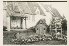 Danish-Village-Little-Garden-95.54.1b