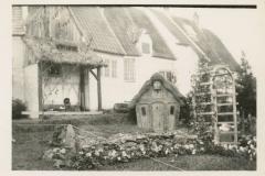 Danish-Village-Little-Garden-95.54.1b