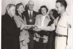 Organizations-World-War-II-Observers-Val-Krijanovsky-in-center-90.45.1k