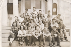 Bertha-Storey-2nd-row-3rd-from-left-sic-Unknown-Class-2019.35.01ag