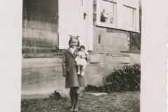 Emma-Gochie-Thurlow-with-doll-April-1949