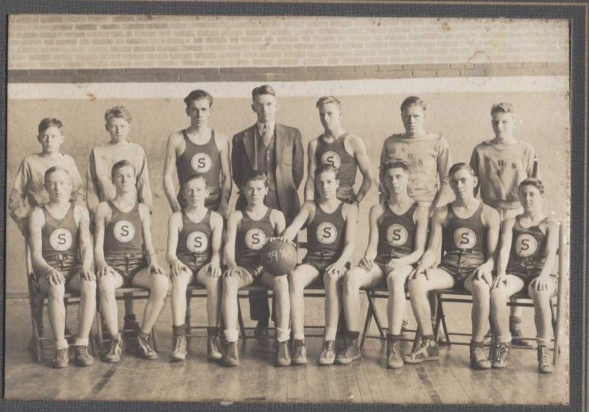 Scarborough-HS-Basketball-Team-1939-1940-2019.38.01b